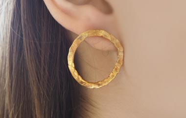 Medium Round Earrings